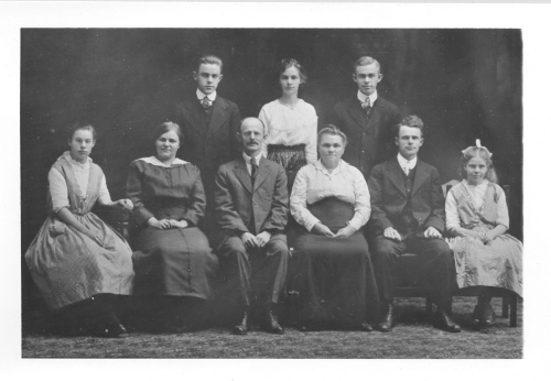 My great grandfather Charles Mulder with his parents and siblings.  He's front row, second from the right.