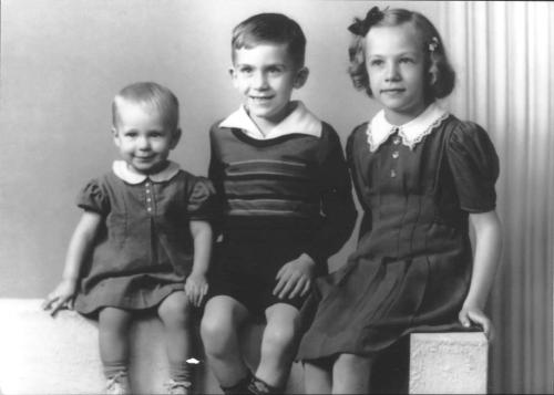 Mom, the oldest, with her two siblings