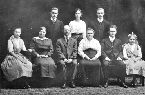 Pieter and Nellie Mulder and family
