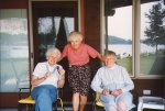 Mom with her aunts Vena andDorothy